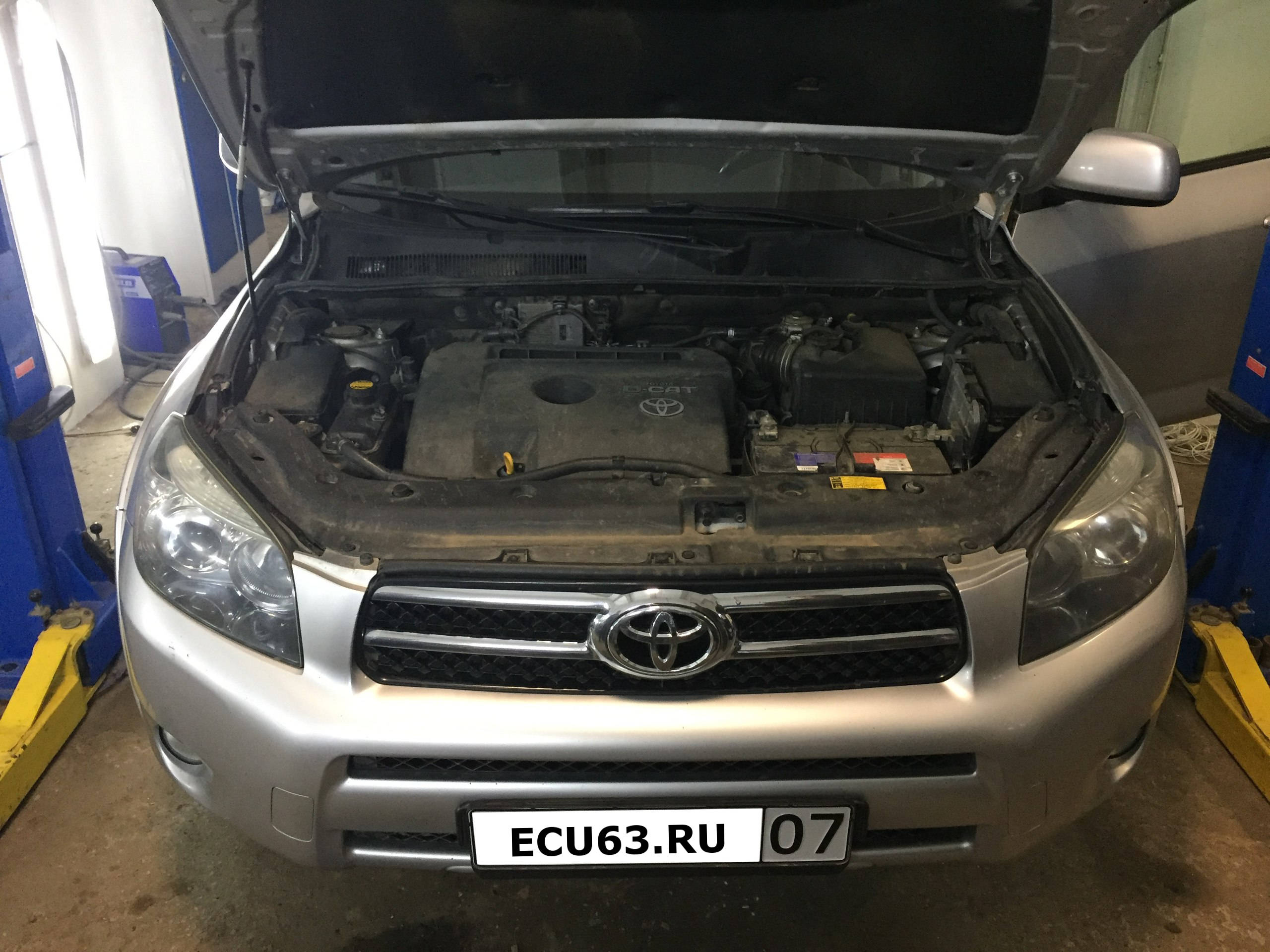 Toyota RAV4 2.2 D-CAT MT 2006-